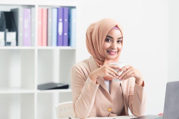 Business Women Muslimah